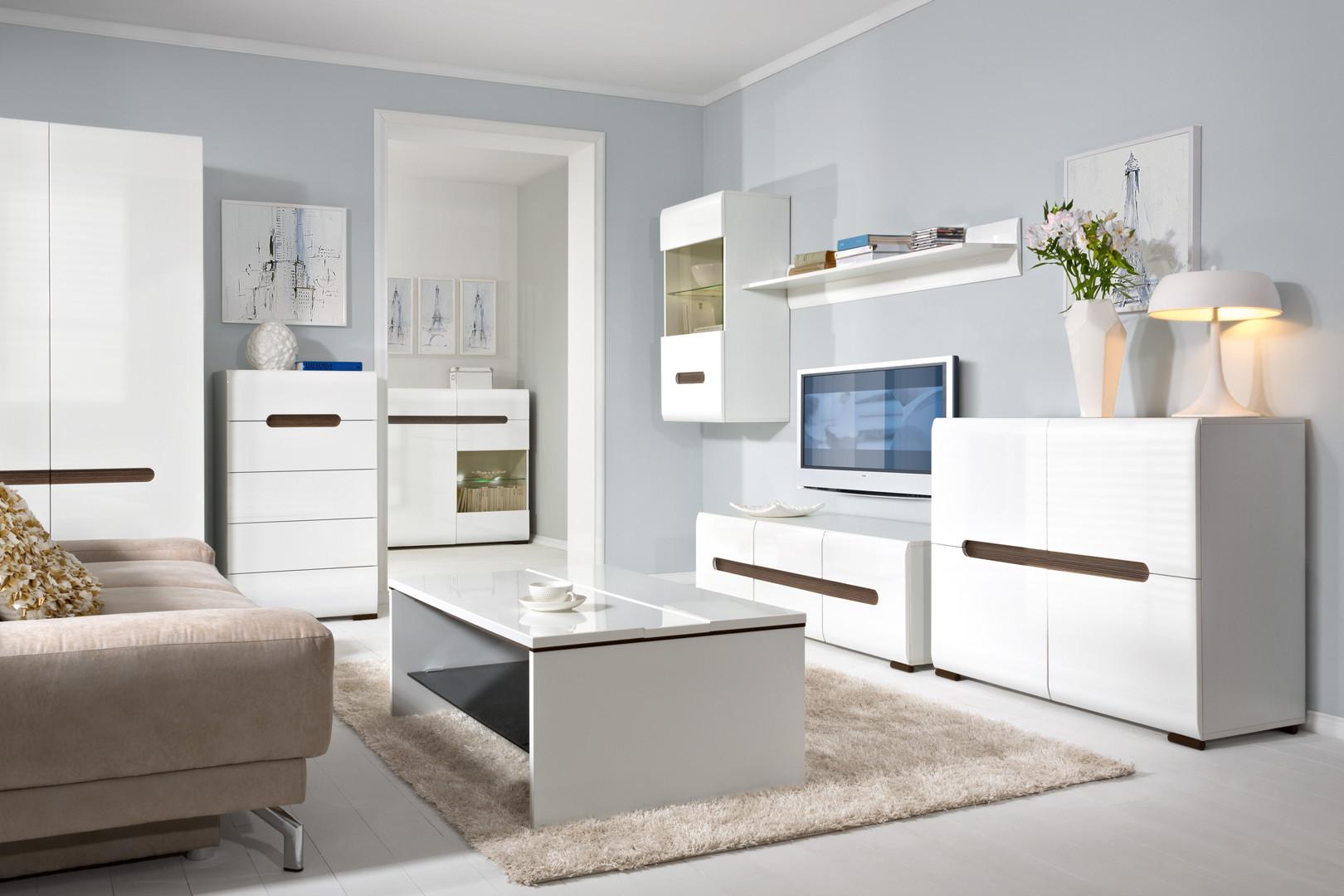 Белая мебель.